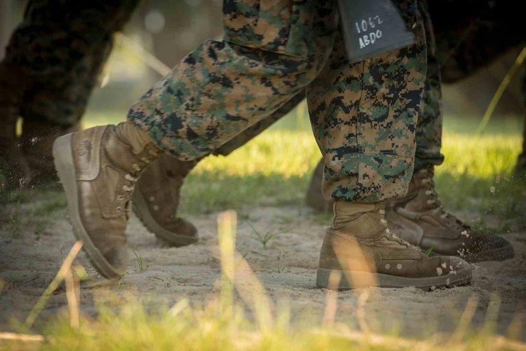 Free soldier boots wear