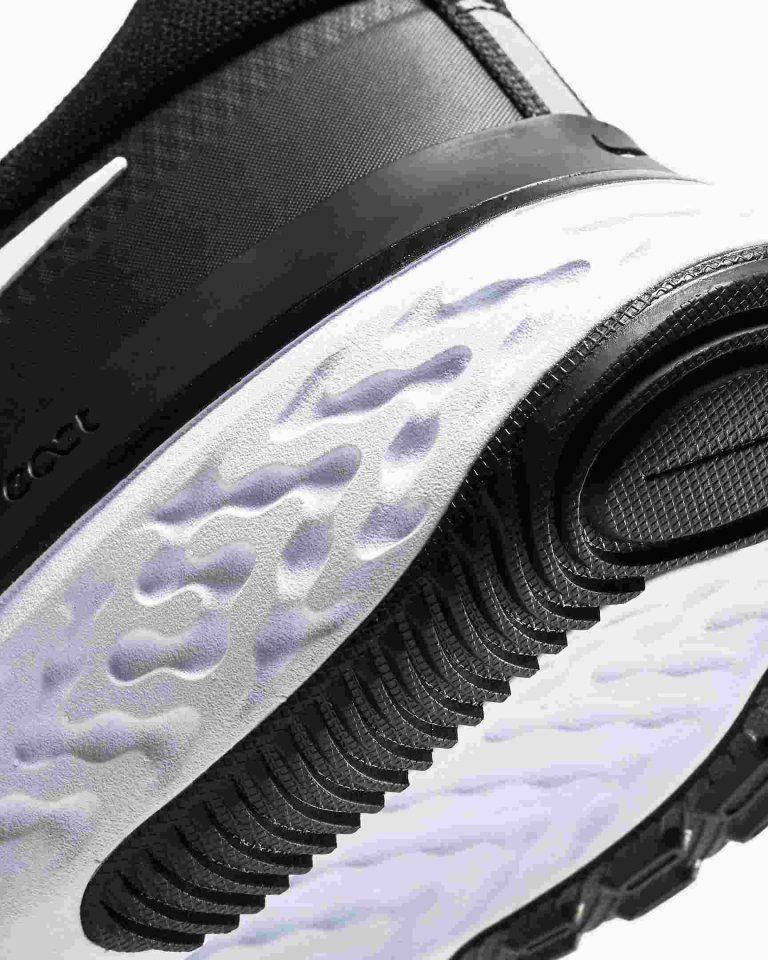 react miler running shoe jf5TG3 5 compressed -