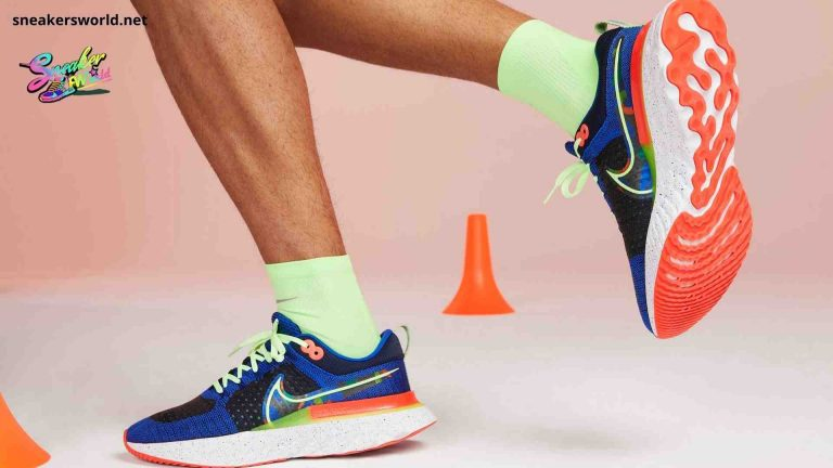 features images in Nike React Infinity Run Flyknit picture
